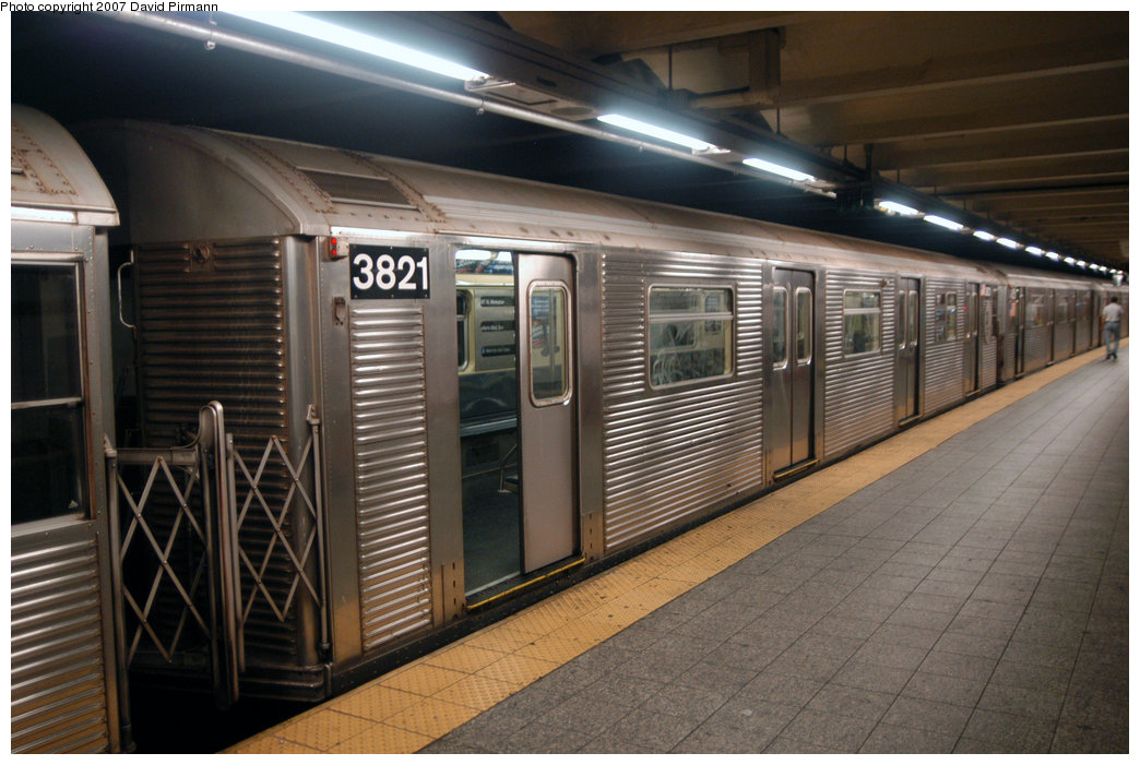 (212k, 1044x701)<br><b>Country:</b> United States<br><b>City:</b> New York<br><b>System:</b> New York City Transit<br><b>Line:</b> IND 8th Avenue Line<br><b>Location:</b> 207th Street <br><b>Route:</b> A<br><b>Car:</b> R-32 (Budd, 1964)  3821 <br><b>Photo by:</b> David Pirmann<br><b>Date:</b> 9/10/2007<br><b>Viewed (this week/total):</b> 0 / 1694