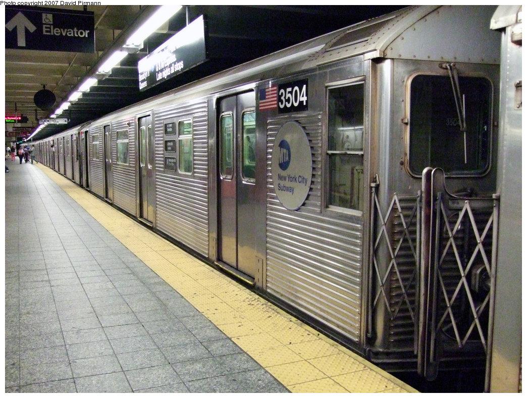 (280k, 1044x788)<br><b>Country:</b> United States<br><b>City:</b> New York<br><b>System:</b> New York City Transit<br><b>Line:</b> IND 8th Avenue Line<br><b>Location:</b> 207th Street <br><b>Route:</b> A<br><b>Car:</b> R-32 (Budd, 1964)  3504 <br><b>Photo by:</b> David Pirmann<br><b>Date:</b> 9/10/2007<br><b>Viewed (this week/total):</b> 1 / 1191