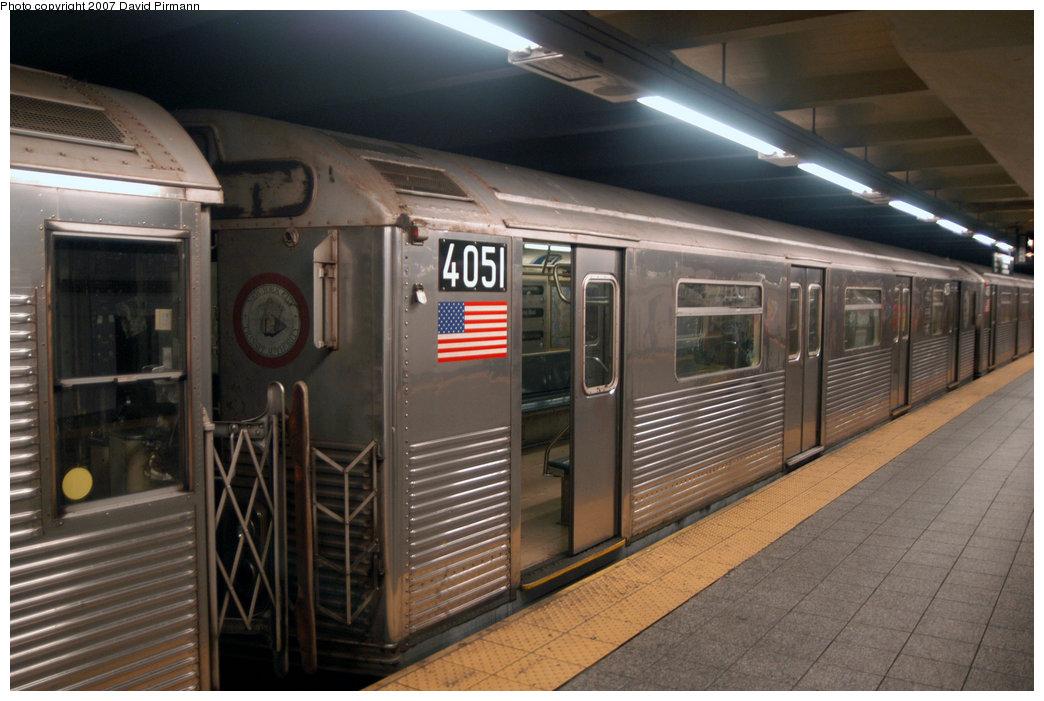 (204k, 1044x701)<br><b>Country:</b> United States<br><b>City:</b> New York<br><b>System:</b> New York City Transit<br><b>Line:</b> IND 8th Avenue Line<br><b>Location:</b> 207th Street <br><b>Route:</b> A<br><b>Car:</b> R-38 (St. Louis, 1966-1967)  4051 <br><b>Photo by:</b> David Pirmann<br><b>Date:</b> 9/10/2007<br><b>Viewed (this week/total):</b> 0 / 2055