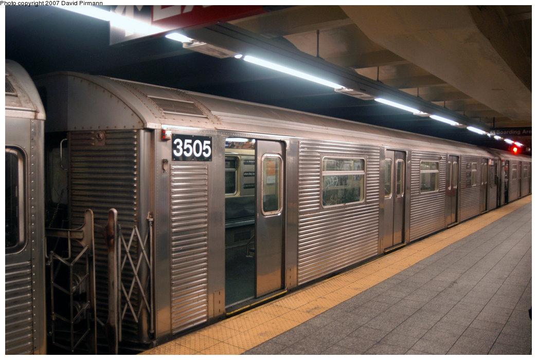 (204k, 1044x701)<br><b>Country:</b> United States<br><b>City:</b> New York<br><b>System:</b> New York City Transit<br><b>Line:</b> IND 8th Avenue Line<br><b>Location:</b> 207th Street <br><b>Route:</b> A<br><b>Car:</b> R-32 (Budd, 1964)  3505 <br><b>Photo by:</b> David Pirmann<br><b>Date:</b> 9/10/2007<br><b>Viewed (this week/total):</b> 0 / 1921