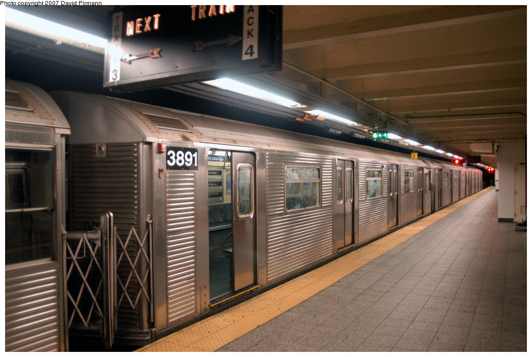 (209k, 1044x701)<br><b>Country:</b> United States<br><b>City:</b> New York<br><b>System:</b> New York City Transit<br><b>Line:</b> IND 8th Avenue Line<br><b>Location:</b> 207th Street <br><b>Route:</b> A<br><b>Car:</b> R-32 (Budd, 1964)  3891 <br><b>Photo by:</b> David Pirmann<br><b>Date:</b> 9/10/2007<br><b>Viewed (this week/total):</b> 2 / 1731