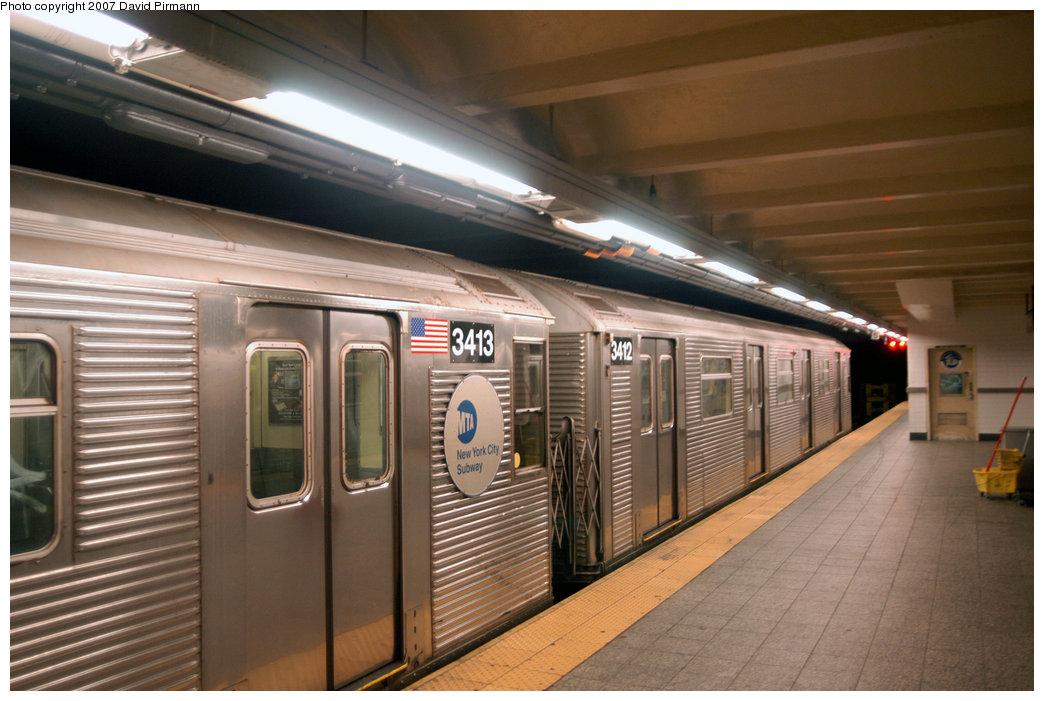 (204k, 1044x701)<br><b>Country:</b> United States<br><b>City:</b> New York<br><b>System:</b> New York City Transit<br><b>Line:</b> IND 8th Avenue Line<br><b>Location:</b> 207th Street <br><b>Route:</b> A<br><b>Car:</b> R-32 (Budd, 1964)  3412 <br><b>Photo by:</b> David Pirmann<br><b>Date:</b> 9/10/2007<br><b>Viewed (this week/total):</b> 1 / 2002
