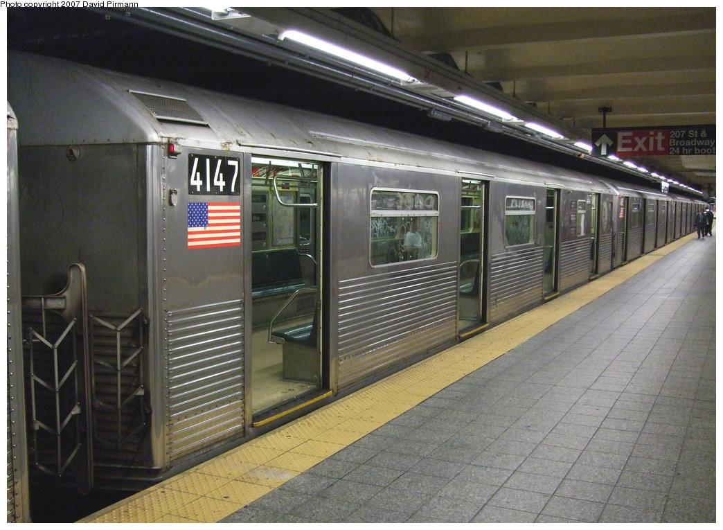(233k, 1044x765)<br><b>Country:</b> United States<br><b>City:</b> New York<br><b>System:</b> New York City Transit<br><b>Line:</b> IND 8th Avenue Line<br><b>Location:</b> 207th Street <br><b>Route:</b> A<br><b>Car:</b> R-38 (St. Louis, 1966-1967)  4147 <br><b>Photo by:</b> David Pirmann<br><b>Date:</b> 9/10/2007<br><b>Viewed (this week/total):</b> 0 / 1439