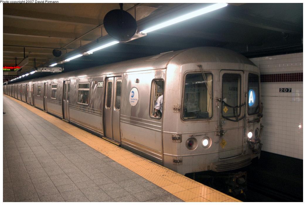 (182k, 1044x701)<br><b>Country:</b> United States<br><b>City:</b> New York<br><b>System:</b> New York City Transit<br><b>Line:</b> IND 8th Avenue Line<br><b>Location:</b> 207th Street <br><b>Route:</b> A<br><b>Car:</b> R-44 (St. Louis, 1971-73) 5366 <br><b>Photo by:</b> David Pirmann<br><b>Date:</b> 9/10/2007<br><b>Viewed (this week/total):</b> 0 / 1658