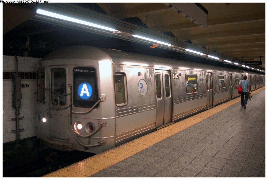 (175k, 1044x701)<br><b>Country:</b> United States<br><b>City:</b> New York<br><b>System:</b> New York City Transit<br><b>Line:</b> IND 8th Avenue Line<br><b>Location:</b> 207th Street <br><b>Route:</b> A<br><b>Car:</b> R-44 (St. Louis, 1971-73) 5372 <br><b>Photo by:</b> David Pirmann<br><b>Date:</b> 9/10/2007<br><b>Viewed (this week/total):</b> 1 / 1690