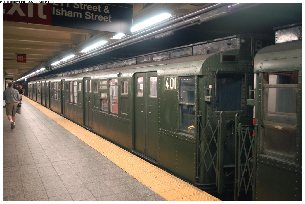 (204k, 1044x701)<br><b>Country:</b> United States<br><b>City:</b> New York<br><b>System:</b> New York City Transit<br><b>Line:</b> IND 8th Avenue Line<br><b>Location:</b> 207th Street <br><b>Route:</b> Fan Trip<br><b>Car:</b> R-4 (American Car & Foundry, 1932-1933) 401 <br><b>Photo by:</b> David Pirmann<br><b>Date:</b> 9/10/2007<br><b>Notes:</b> Train in regular service for the 75th Anniversary of the opening of the A line (technically not a fantrip).<br><b>Viewed (this week/total):</b> 4 / 1580