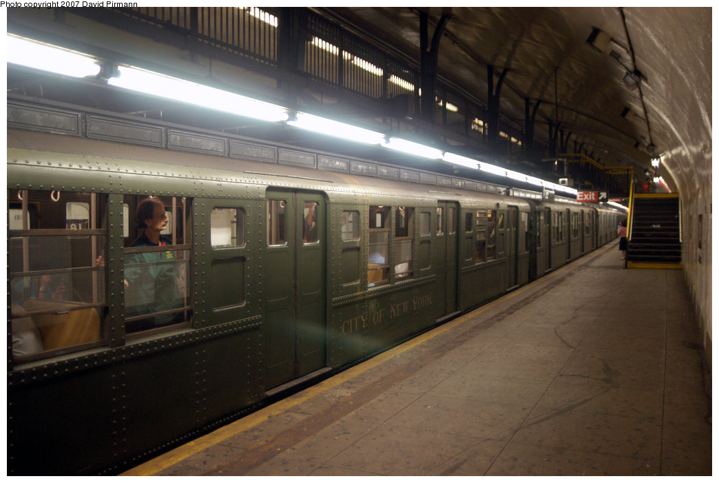 (184k, 1044x701)<br><b>Country:</b> United States<br><b>City:</b> New York<br><b>System:</b> New York City Transit<br><b>Line:</b> IND 8th Avenue Line<br><b>Location:</b> 181st Street <br><b>Route:</b> Fan Trip<br><b>Car:</b> R-1 (American Car & Foundry, 1930-1931) 100 <br><b>Photo by:</b> David Pirmann<br><b>Date:</b> 9/10/2007<br><b>Notes:</b> Train in regular service for the 75th Anniversary of the opening of the A line (technically not a fantrip).<br><b>Viewed (this week/total):</b> 0 / 2089