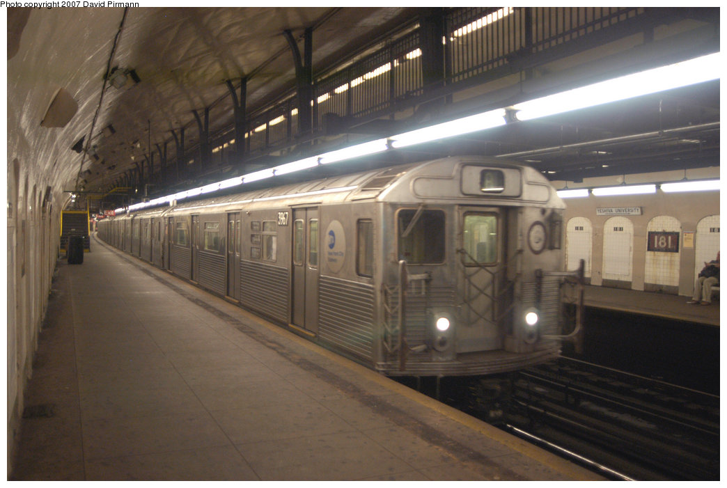 (179k, 1044x701)<br><b>Country:</b> United States<br><b>City:</b> New York<br><b>System:</b> New York City Transit<br><b>Line:</b> IND 8th Avenue Line<br><b>Location:</b> 181st Street <br><b>Route:</b> A<br><b>Car:</b> R-38 (St. Louis, 1966-1967)  3967 <br><b>Photo by:</b> David Pirmann<br><b>Date:</b> 9/10/2007<br><b>Viewed (this week/total):</b> 1 / 2773
