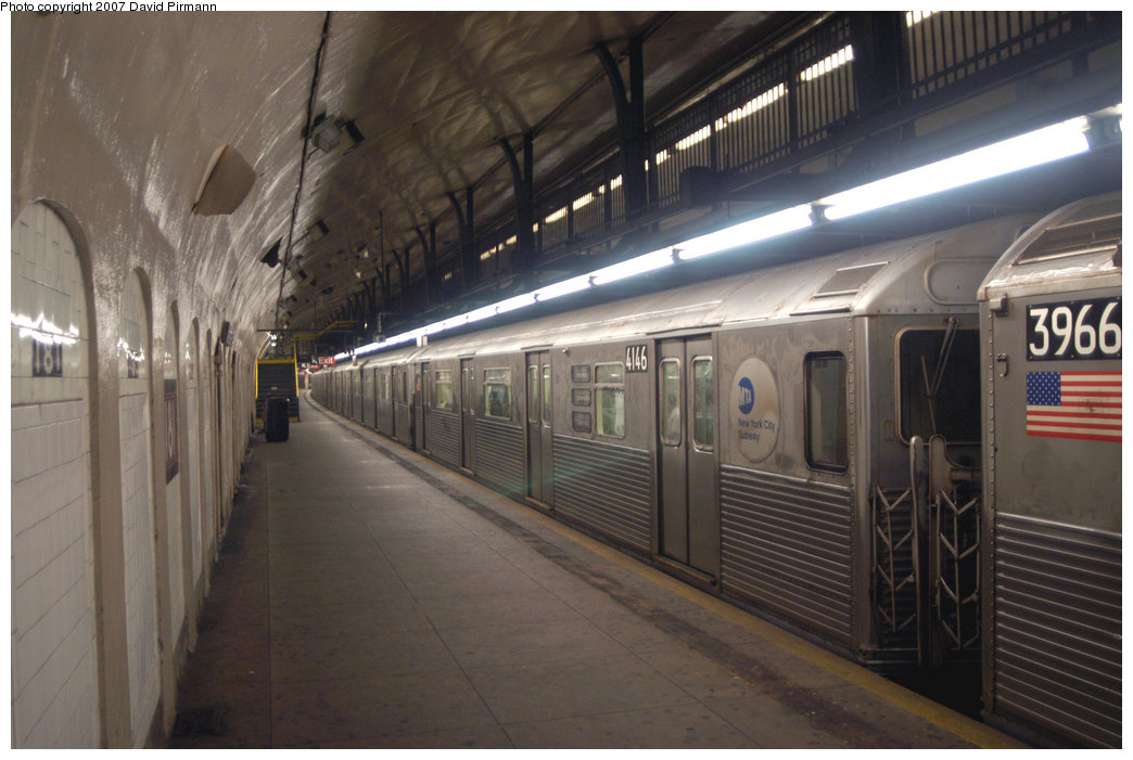 (194k, 1044x701)<br><b>Country:</b> United States<br><b>City:</b> New York<br><b>System:</b> New York City Transit<br><b>Line:</b> IND 8th Avenue Line<br><b>Location:</b> 181st Street <br><b>Route:</b> A<br><b>Car:</b> R-38 (St. Louis, 1966-1967)  4146 <br><b>Photo by:</b> David Pirmann<br><b>Date:</b> 9/10/2007<br><b>Viewed (this week/total):</b> 2 / 2648