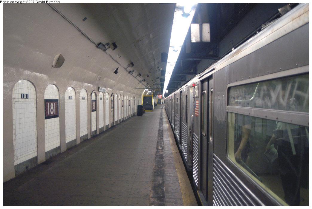 (183k, 1044x701)<br><b>Country:</b> United States<br><b>City:</b> New York<br><b>System:</b> New York City Transit<br><b>Line:</b> IND 8th Avenue Line<br><b>Location:</b> 181st Street <br><b>Route:</b> A<br><b>Car:</b> R-38 (St. Louis, 1966-1967)  3966 <br><b>Photo by:</b> David Pirmann<br><b>Date:</b> 9/10/2007<br><b>Notes:</b> Platform view.<br><b>Viewed (this week/total):</b> 3 / 3040