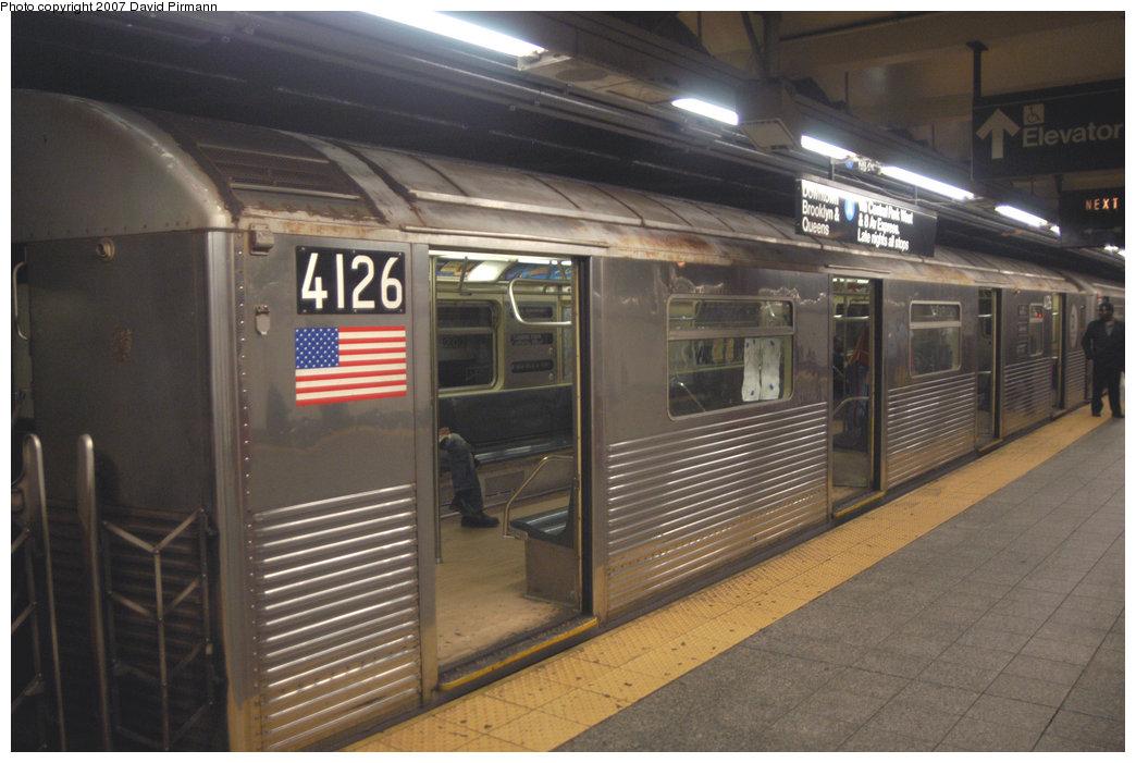 (197k, 1044x701)<br><b>Country:</b> United States<br><b>City:</b> New York<br><b>System:</b> New York City Transit<br><b>Line:</b> IND 8th Avenue Line<br><b>Location:</b> 207th Street <br><b>Route:</b> A<br><b>Car:</b> R-38 (St. Louis, 1966-1967)  4126 <br><b>Photo by:</b> David Pirmann<br><b>Date:</b> 9/10/2007<br><b>Viewed (this week/total):</b> 2 / 2185
