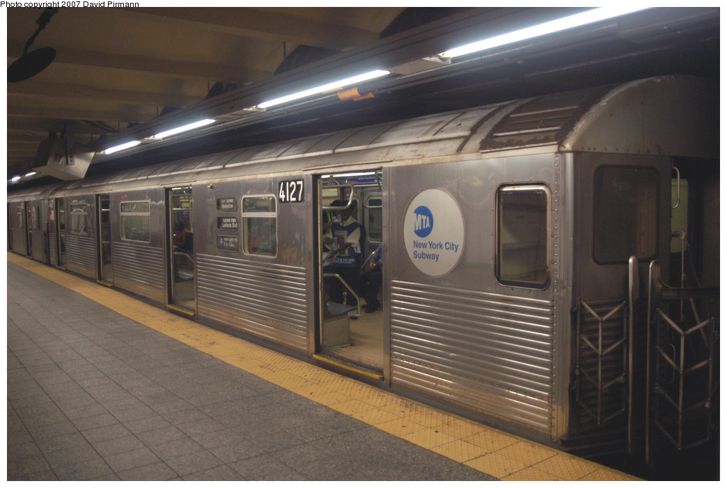 (181k, 1044x701)<br><b>Country:</b> United States<br><b>City:</b> New York<br><b>System:</b> New York City Transit<br><b>Line:</b> IND 8th Avenue Line<br><b>Location:</b> 207th Street <br><b>Route:</b> A<br><b>Car:</b> R-38 (St. Louis, 1966-1967)  4127 <br><b>Photo by:</b> David Pirmann<br><b>Date:</b> 9/10/2007<br><b>Viewed (this week/total):</b> 0 / 1468