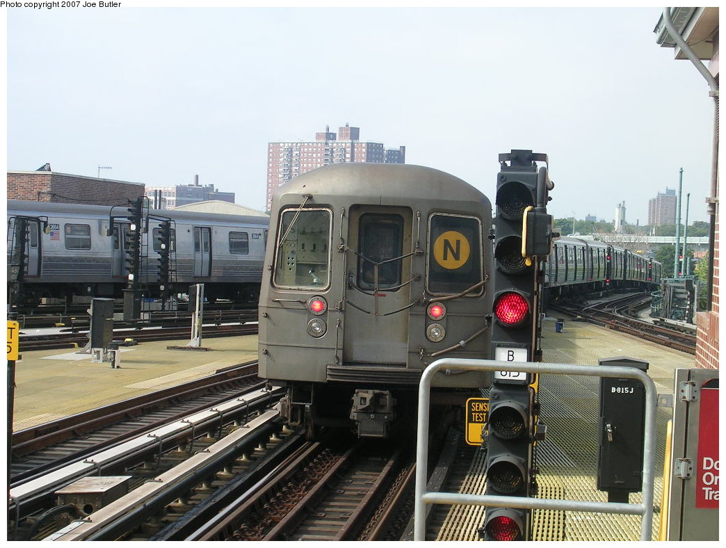 (221k, 1044x788)<br><b>Country:</b> United States<br><b>City:</b> New York<br><b>System:</b> New York City Transit<br><b>Location:</b> Coney Island/Stillwell Avenue<br><b>Route:</b> N<br><b>Car:</b> R-68 (Westinghouse-Amrail, 1986-1988)  2870 <br><b>Photo by:</b> Joe Butler<br><b>Date:</b> 8/23/2007<br><b>Viewed (this week/total):</b> 7 / 1813