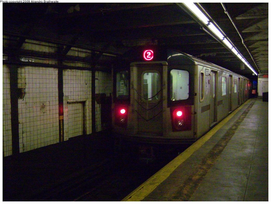 (257k, 1044x788)<br><b>Country:</b> United States<br><b>City:</b> New York<br><b>System:</b> New York City Transit<br><b>Line:</b> IRT Brooklyn Line<br><b>Location:</b> Bergen Street <br><b>Route:</b> 2<br><b>Car:</b> R-142 (Primary Order, Bombardier, 1999-2002)  6976 <br><b>Photo by:</b> Aliandro Brathwaite<br><b>Date:</b> 8/20/2009<br><b>Viewed (this week/total):</b> 7 / 2203
