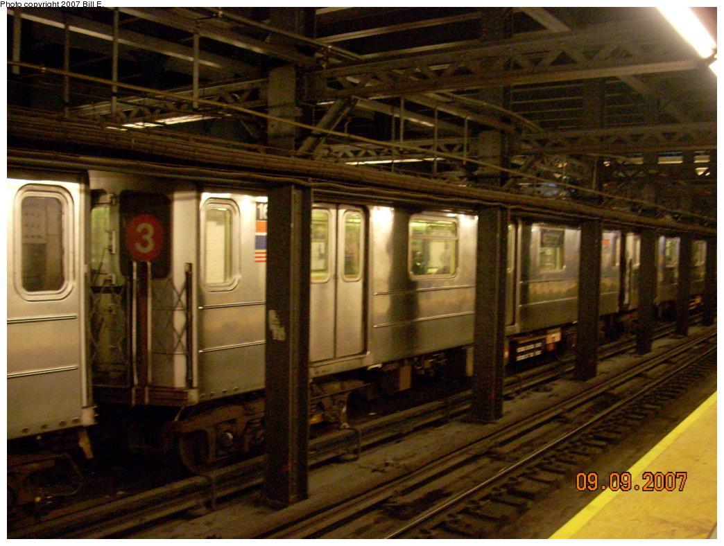 (221k, 1044x788)<br><b>Country:</b> United States<br><b>City:</b> New York<br><b>System:</b> New York City Transit<br><b>Line:</b> IRT West Side Line<br><b>Location:</b> Chambers Street <br><b>Route:</b> 3<br><b>Car:</b> R-62 (Kawasaki, 1983-1985)  1623 <br><b>Photo by:</b> Bill E.<br><b>Date:</b> 9/9/2007<br><b>Viewed (this week/total):</b> 1 / 2978