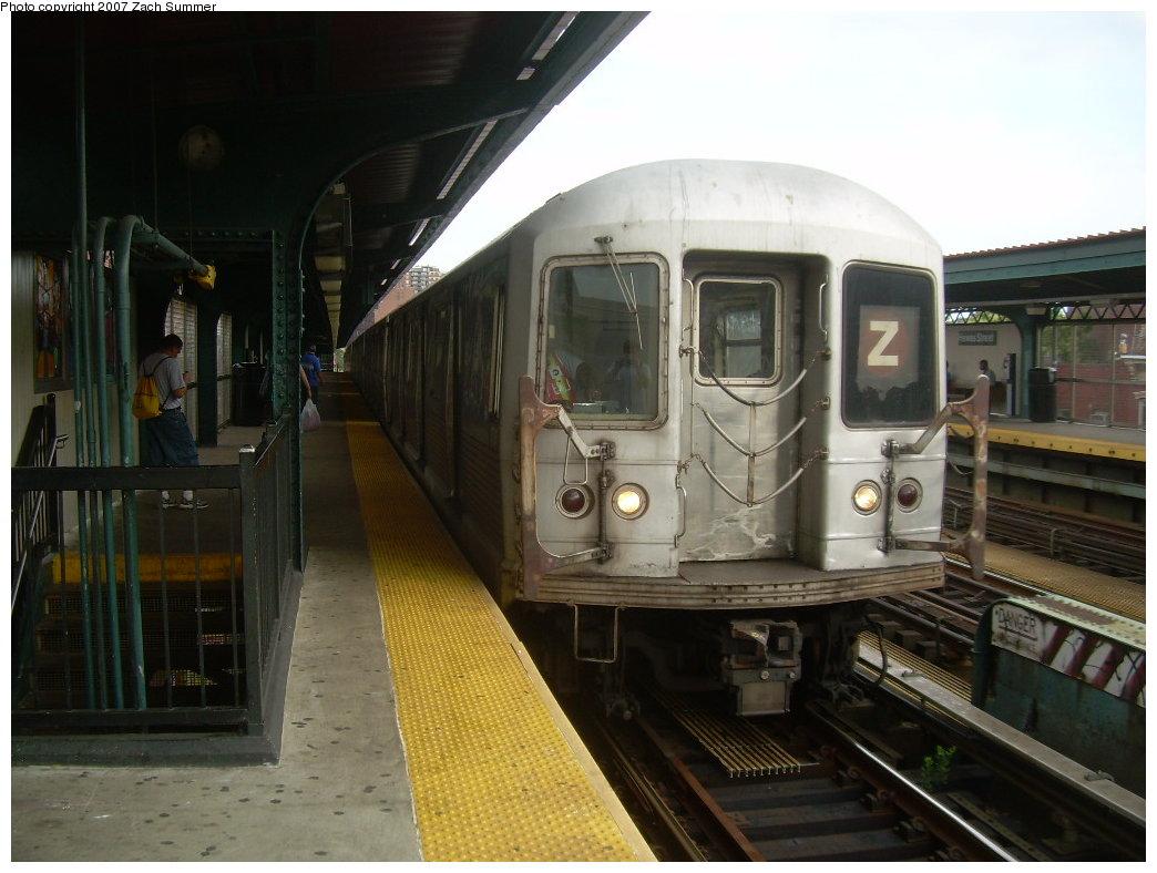 (186k, 1044x788)<br><b>Country:</b> United States<br><b>City:</b> New York<br><b>System:</b> New York City Transit<br><b>Line:</b> BMT Nassau Street/Jamaica Line<br><b>Location:</b> Hewes Street <br><b>Route:</b> Z<br><b>Car:</b> R-42 (St. Louis, 1969-1970)  4738 <br><b>Photo by:</b> Zach Summer<br><b>Date:</b> 8/28/2007<br><b>Viewed (this week/total):</b> 0 / 1421