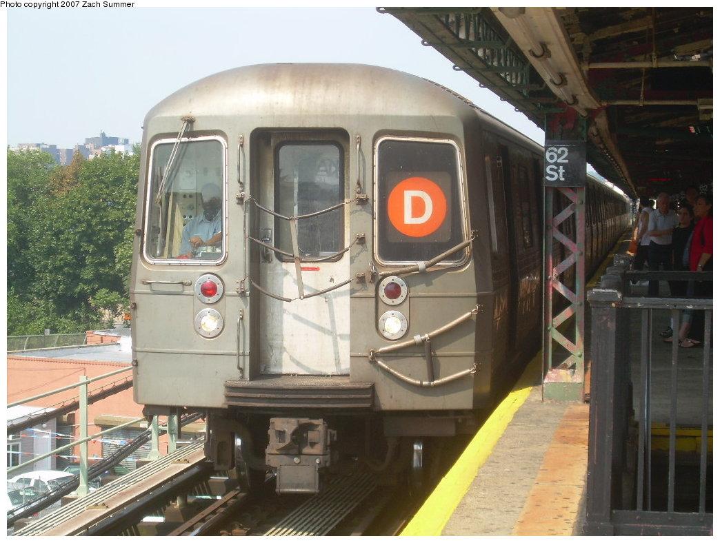 (208k, 1044x788)<br><b>Country:</b> United States<br><b>City:</b> New York<br><b>System:</b> New York City Transit<br><b>Line:</b> BMT West End Line<br><b>Location:</b> 62nd Street <br><b>Route:</b> D<br><b>Car:</b> R-68 (Westinghouse-Amrail, 1986-1988)   <br><b>Photo by:</b> Zach Summer<br><b>Date:</b> 8/30/2007<br><b>Viewed (this week/total):</b> 0 / 1622
