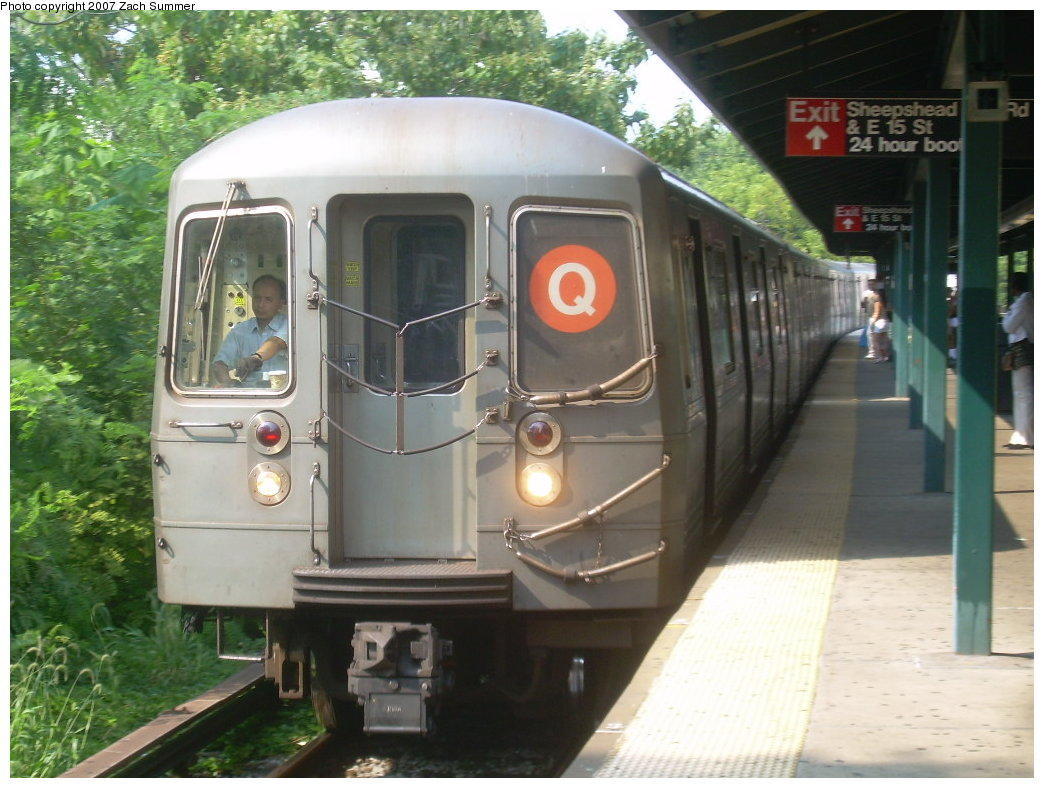 (205k, 1044x788)<br><b>Country:</b> United States<br><b>City:</b> New York<br><b>System:</b> New York City Transit<br><b>Line:</b> BMT Brighton Line<br><b>Location:</b> Sheepshead Bay <br><b>Route:</b> Q<br><b>Car:</b> R-68A (Kawasaki, 1988-1989)   <br><b>Photo by:</b> Zach Summer<br><b>Date:</b> 8/30/2007<br><b>Viewed (this week/total):</b> 0 / 2477