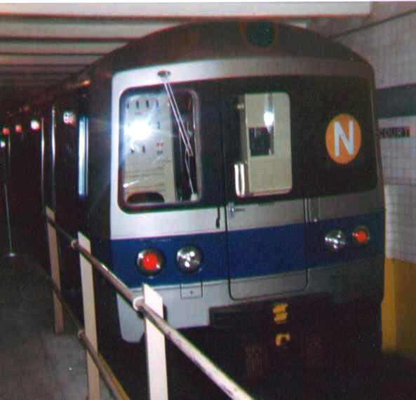 (77k, 593x570)<br><b>Country:</b> United States<br><b>City:</b> New York<br><b>System:</b> New York City Transit<br><b>Location:</b> New York Transit Museum<br><b>Car:</b> R-46 (Pullman-Standard, 1974-75)  <br><b>Photo by:</b> Bob Wright<br><b>Date:</b> 3/1978<br><b>Viewed (this week/total):</b> 3 / 5282