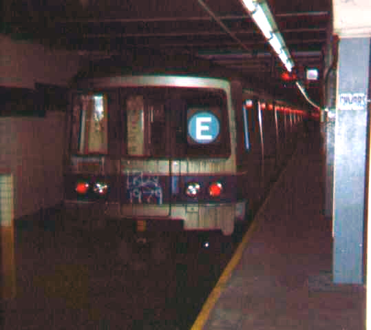 (60k, 539x479)<br><b>Country:</b> United States<br><b>City:</b> New York<br><b>System:</b> New York City Transit<br><b>Line:</b> IND 8th Avenue Line<br><b>Location:</b> Chambers Street/World Trade Center <br><b>Route:</b> E<br><b>Car:</b> R-46 (Pullman-Standard, 1974-75)  <br><b>Photo by:</b> Bob Wright<br><b>Date:</b> 10/1978<br><b>Viewed (this week/total):</b> 6 / 3025