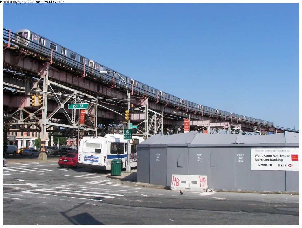 (276k, 1044x788)<br><b>Country:</b> United States<br><b>City:</b> New York<br><b>System:</b> New York City Transit<br><b>Line:</b> IRT Flushing Line<br><b>Location:</b> Queensborough Plaza <br><b>Route:</b> 7<br><b>Car:</b> R-62A (Bombardier, 1984-1987)  1725 <br><b>Photo by:</b> David-Paul Gerber<br><b>Date:</b> 8/1/2009<br><b>Viewed (this week/total):</b> 2 / 1566