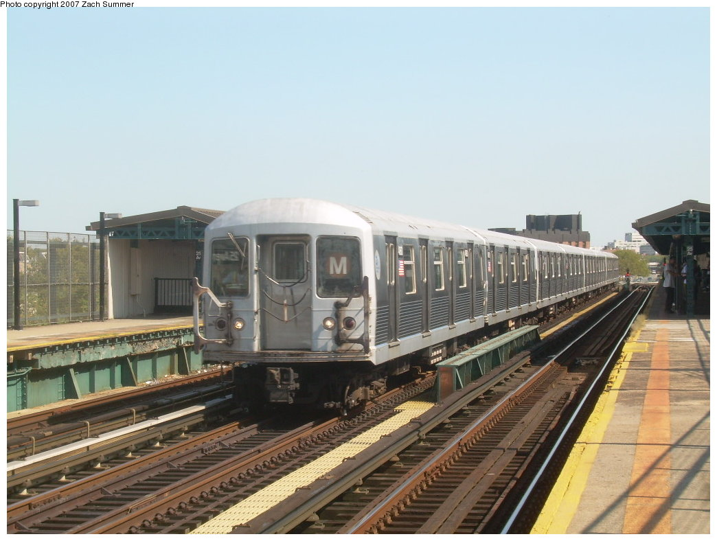 (193k, 1044x788)<br><b>Country:</b> United States<br><b>City:</b> New York<br><b>System:</b> New York City Transit<br><b>Line:</b> BMT West End Line<br><b>Location:</b> 25th Avenue <br><b>Route:</b> M<br><b>Car:</b> R-42 (St. Louis, 1969-1970)  4860 <br><b>Photo by:</b> Zach Summer<br><b>Date:</b> 9/4/2007<br><b>Viewed (this week/total):</b> 0 / 1447