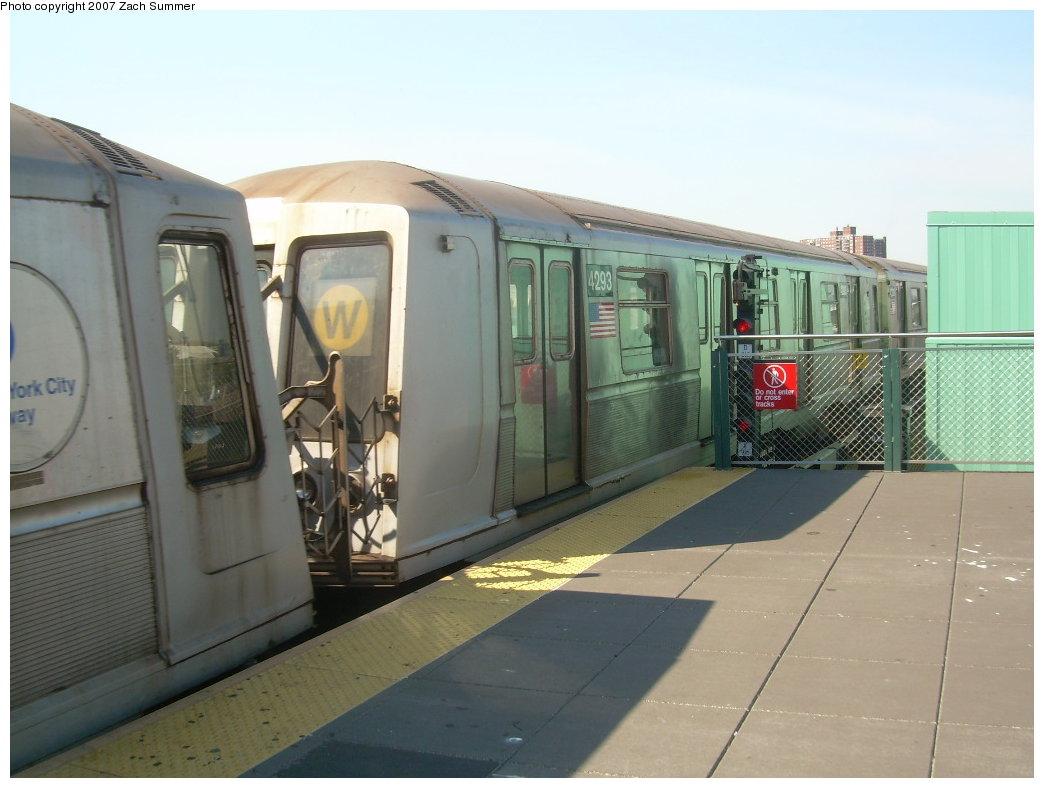 (169k, 1044x788)<br><b>Country:</b> United States<br><b>City:</b> New York<br><b>System:</b> New York City Transit<br><b>Location:</b> Coney Island/Stillwell Avenue<br><b>Route:</b> B<br><b>Car:</b> R-40 (St. Louis, 1968)  4293 <br><b>Photo by:</b> Zach Summer<br><b>Date:</b> 9/4/2007<br><b>Viewed (this week/total):</b> 0 / 1936