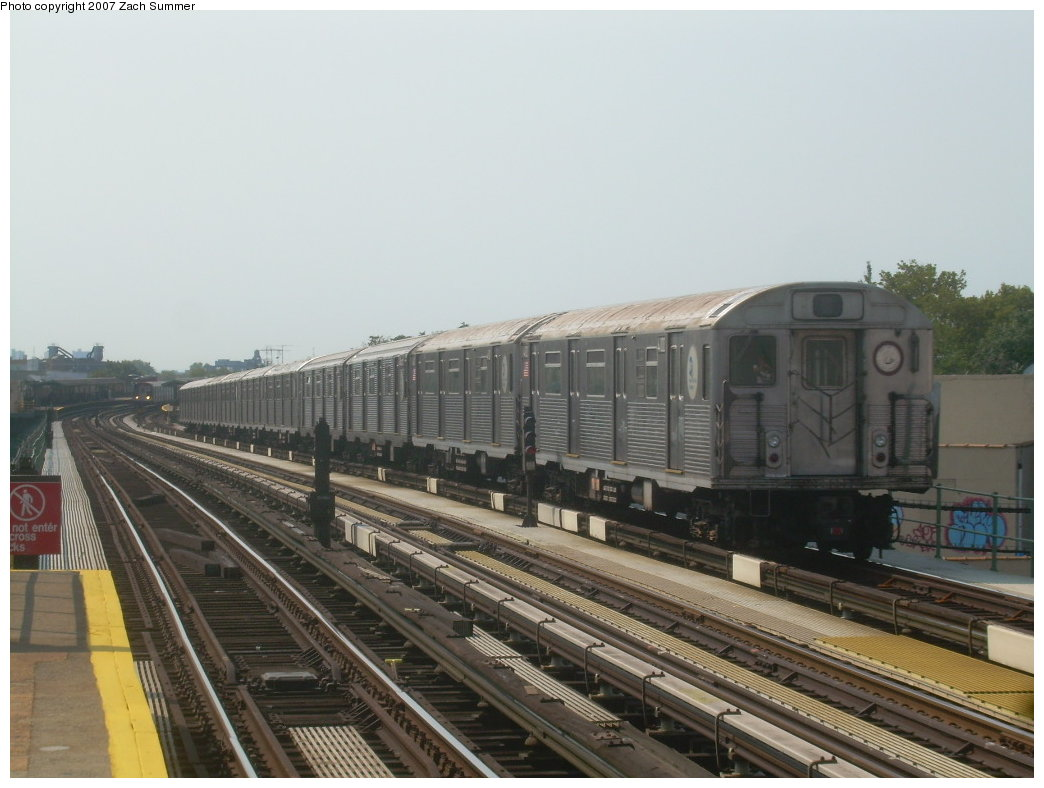 (178k, 1044x788)<br><b>Country:</b> United States<br><b>City:</b> New York<br><b>System:</b> New York City Transit<br><b>Line:</b> BMT West End Line<br><b>Location:</b> 50th Street <br><b>Route:</b> School car<br><b>Car:</b> R-38 (St. Louis, 1966-1967)  4100 <br><b>Photo by:</b> Zach Summer<br><b>Date:</b> 9/7/2007<br><b>Viewed (this week/total):</b> 1 / 1635
