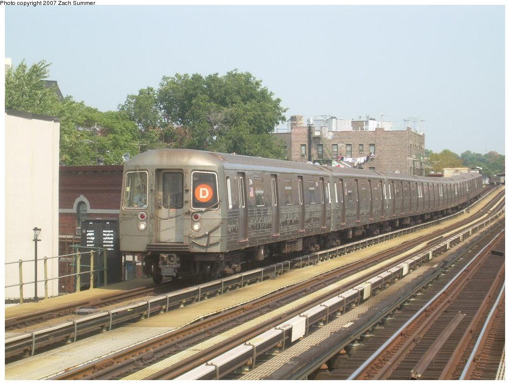(224k, 1044x788)<br><b>Country:</b> United States<br><b>City:</b> New York<br><b>System:</b> New York City Transit<br><b>Line:</b> BMT West End Line<br><b>Location:</b> 50th Street <br><b>Route:</b> D<br><b>Car:</b> R-68 (Westinghouse-Amrail, 1986-1988)  2594 <br><b>Photo by:</b> Zach Summer<br><b>Date:</b> 9/7/2007<br><b>Viewed (this week/total):</b> 4 / 1470