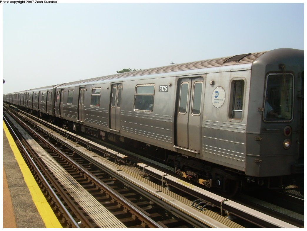 (193k, 1044x788)<br><b>Country:</b> United States<br><b>City:</b> New York<br><b>System:</b> New York City Transit<br><b>Line:</b> BMT West End Line<br><b>Location:</b> 50th Street <br><b>Route:</b> N<br><b>Car:</b> R-68A (Kawasaki, 1988-1989)  5176 <br><b>Photo by:</b> Zach Summer<br><b>Date:</b> 9/7/2007<br><b>Viewed (this week/total):</b> 0 / 1304