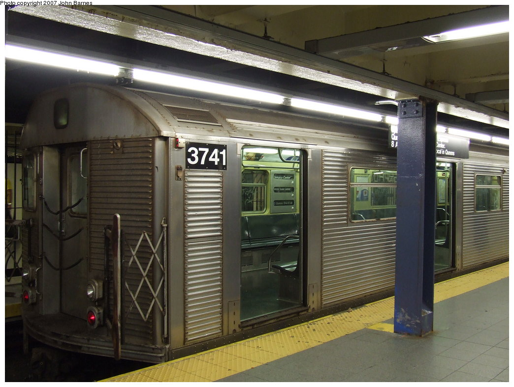 (179k, 1044x788)<br><b>Country:</b> United States<br><b>City:</b> New York<br><b>System:</b> New York City Transit<br><b>Line:</b> IND 8th Avenue Line<br><b>Location:</b> Chambers Street/World Trade Center <br><b>Route:</b> E<br><b>Car:</b> R-32 (Budd, 1964)  3741 <br><b>Photo by:</b> John Barnes<br><b>Date:</b> 9/11/2007<br><b>Viewed (this week/total):</b> 4 / 1961
