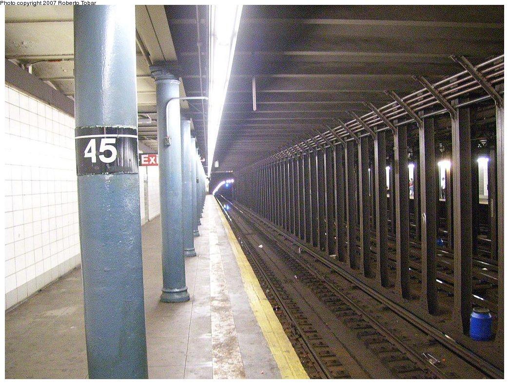(248k, 1044x788)<br><b>Country:</b> United States<br><b>City:</b> New York<br><b>System:</b> New York City Transit<br><b>Line:</b> BMT 4th Avenue<br><b>Location:</b> 45th Street <br><b>Photo by:</b> Roberto C. Tobar<br><b>Date:</b> 9/15/2007<br><b>Viewed (this week/total):</b> 5 / 2519