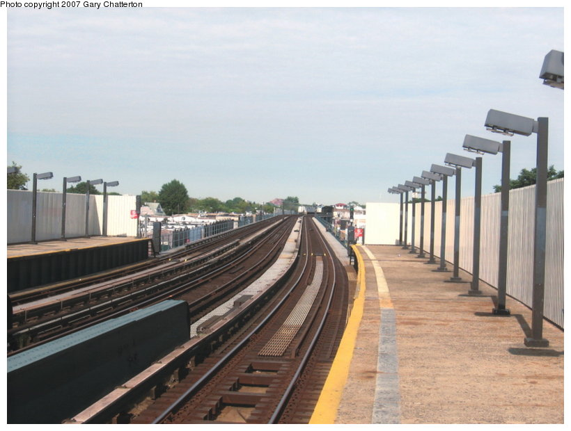 (95k, 820x620)<br><b>Country:</b> United States<br><b>City:</b> New York<br><b>System:</b> New York City Transit<br><b>Line:</b> IND Fulton Street Line<br><b>Location:</b> 104th Street/Oxford Ave. <br><b>Photo by:</b> Gary Chatterton<br><b>Date:</b> 9/5/2007<br><b>Notes:</b> Station view inbound.<br><b>Viewed (this week/total):</b> 0 / 1021