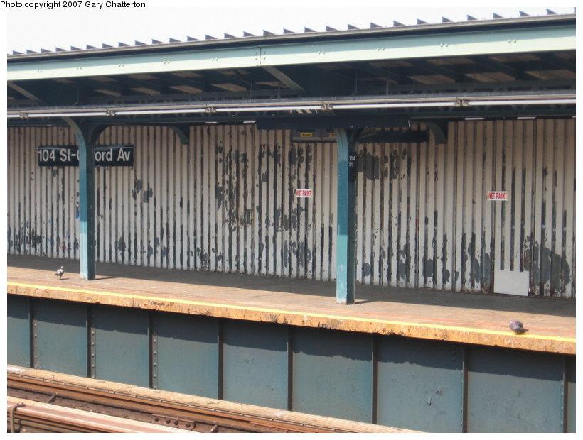 (109k, 820x620)<br><b>Country:</b> United States<br><b>City:</b> New York<br><b>System:</b> New York City Transit<br><b>Line:</b> IND Fulton Street Line<br><b>Location:</b> 104th Street/Oxford Ave. <br><b>Photo by:</b> Gary Chatterton<br><b>Date:</b> 9/8/2007<br><b>Notes:</b> Station view outbound.<br><b>Viewed (this week/total):</b> 3 / 1410