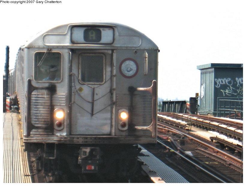 (90k, 820x620)<br><b>Country:</b> United States<br><b>City:</b> New York<br><b>System:</b> New York City Transit<br><b>Line:</b> IND Fulton Street Line<br><b>Location:</b> 104th Street/Oxford Ave. <br><b>Route:</b> A<br><b>Car:</b> R-38 (St. Louis, 1966-1967)  4122 <br><b>Photo by:</b> Gary Chatterton<br><b>Date:</b> 9/8/2007<br><b>Viewed (this week/total):</b> 1 / 1802