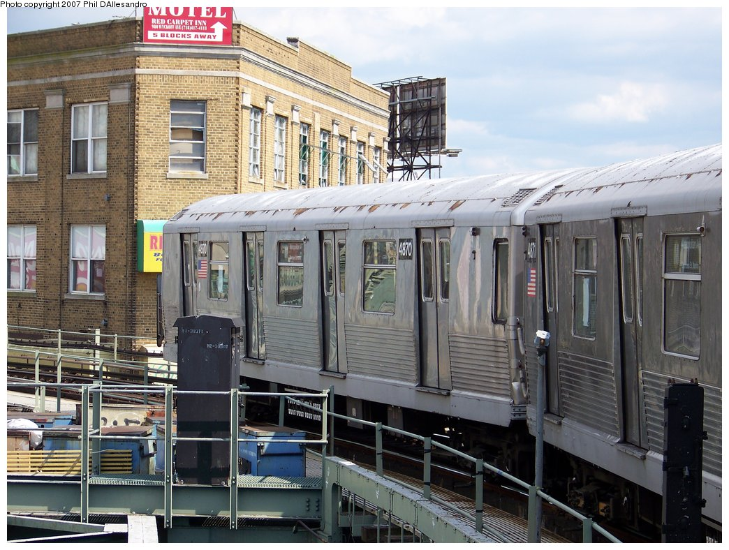 (220k, 1044x788)<br><b>Country:</b> United States<br><b>City:</b> New York<br><b>System:</b> New York City Transit<br><b>Line:</b> BMT Myrtle Avenue Line<br><b>Location:</b> Wyckoff Avenue <br><b>Route:</b> M<br><b>Car:</b> R-42 (St. Louis, 1969-1970)  4870 <br><b>Photo by:</b> Philip D'Allesandro<br><b>Date:</b> 9/13/2007<br><b>Viewed (this week/total):</b> 0 / 1875