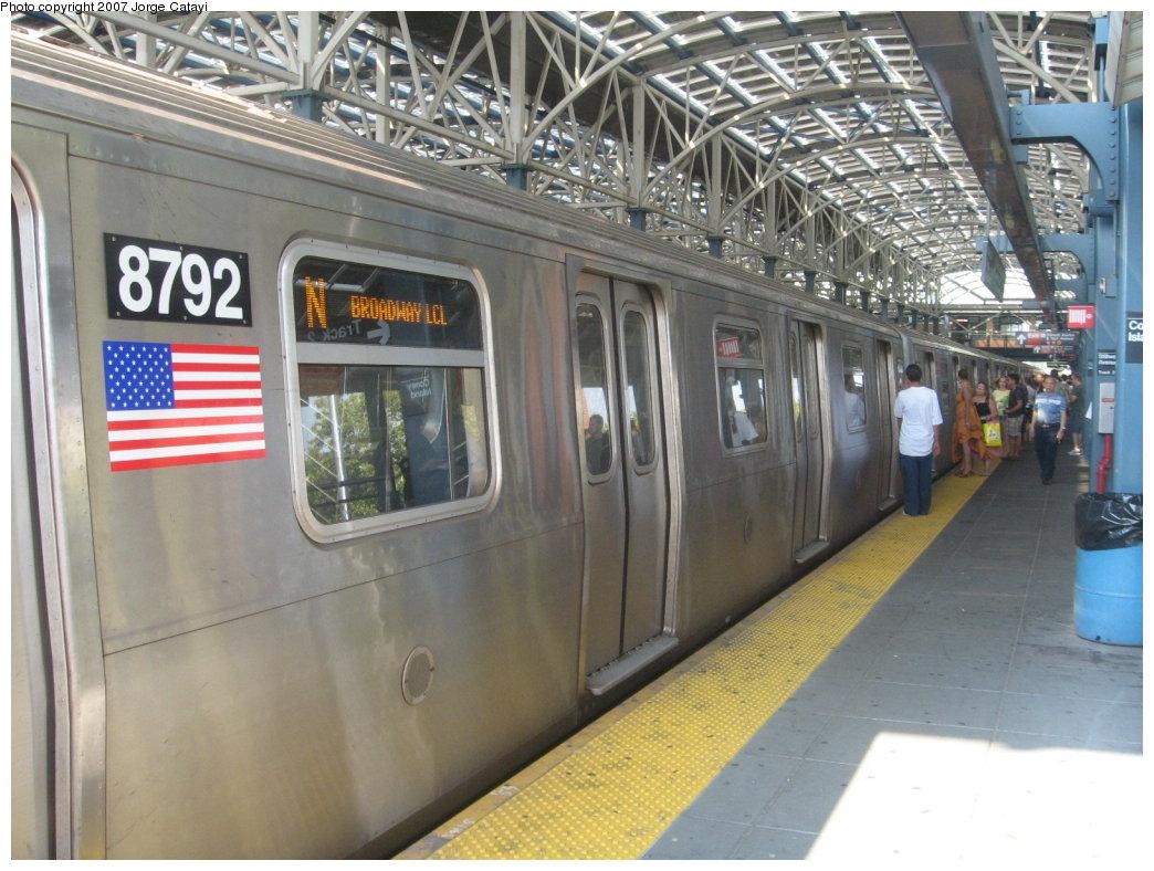 (186k, 1044x788)<br><b>Country:</b> United States<br><b>City:</b> New York<br><b>System:</b> New York City Transit<br><b>Location:</b> Coney Island/Stillwell Avenue<br><b>Route:</b> N<br><b>Car:</b> R-160B (Kawasaki, 2005-2008)  8792 <br><b>Photo by:</b> Jorge Catayi<br><b>Date:</b> 9/8/2007<br><b>Viewed (this week/total):</b> 0 / 2100