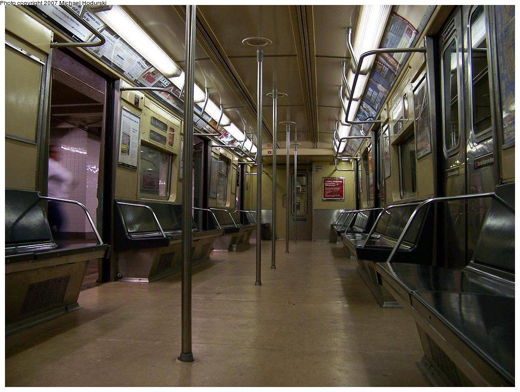 (191k, 1044x788)<br><b>Country:</b> United States<br><b>City:</b> New York<br><b>System:</b> New York City Transit<br><b>Line:</b> IND 8th Avenue Line<br><b>Route:</b> B<br><b>Car:</b> R-40 (St. Louis, 1968)  4180 <br><b>Photo by:</b> Michael Hodurski<br><b>Date:</b> 9/12/2007<br><b>Viewed (this week/total):</b> 0 / 3256