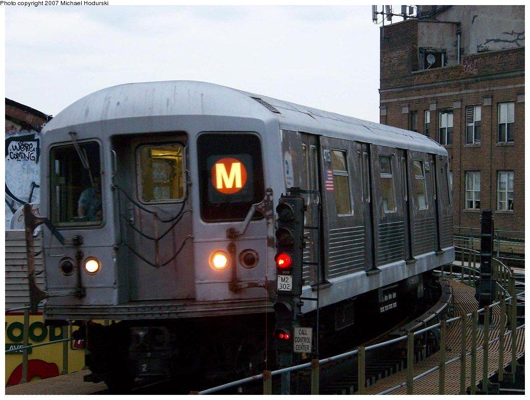 (179k, 1044x788)<br><b>Country:</b> United States<br><b>City:</b> New York<br><b>System:</b> New York City Transit<br><b>Line:</b> BMT Myrtle Avenue Line<br><b>Location:</b> Wyckoff Avenue <br><b>Route:</b> M<br><b>Car:</b> R-42 (St. Louis, 1969-1970)  4705 <br><b>Photo by:</b> Michael Hodurski<br><b>Date:</b> 9/14/2007<br><b>Viewed (this week/total):</b> 3 / 2284