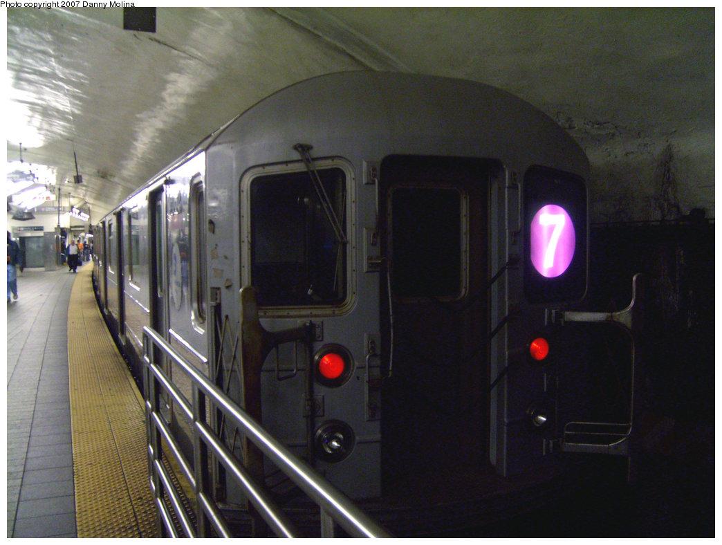 (205k, 1044x788)<br><b>Country:</b> United States<br><b>City:</b> New York<br><b>System:</b> New York City Transit<br><b>Line:</b> IRT Flushing Line<br><b>Location:</b> Grand Central <br><b>Route:</b> 7<br><b>Car:</b> R-62A (Bombardier, 1984-1987)   <br><b>Photo by:</b> Danny Molina<br><b>Date:</b> 9/16/2007<br><b>Viewed (this week/total):</b> 0 / 1871
