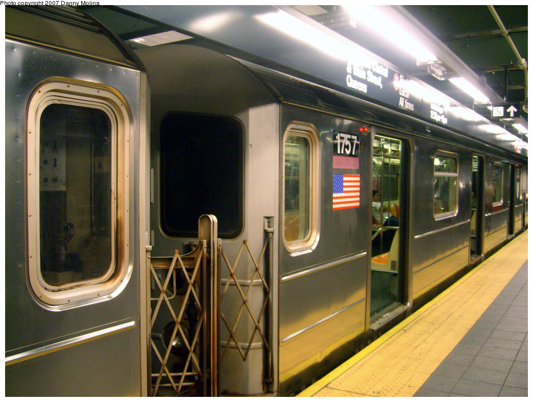 (244k, 1044x788)<br><b>Country:</b> United States<br><b>City:</b> New York<br><b>System:</b> New York City Transit<br><b>Line:</b> IRT Flushing Line<br><b>Location:</b> Times Square <br><b>Route:</b> 7<br><b>Car:</b> R-62A (Bombardier, 1984-1987)  1757 <br><b>Photo by:</b> Danny Molina<br><b>Date:</b> 9/16/2007<br><b>Viewed (this week/total):</b> 4 / 2603