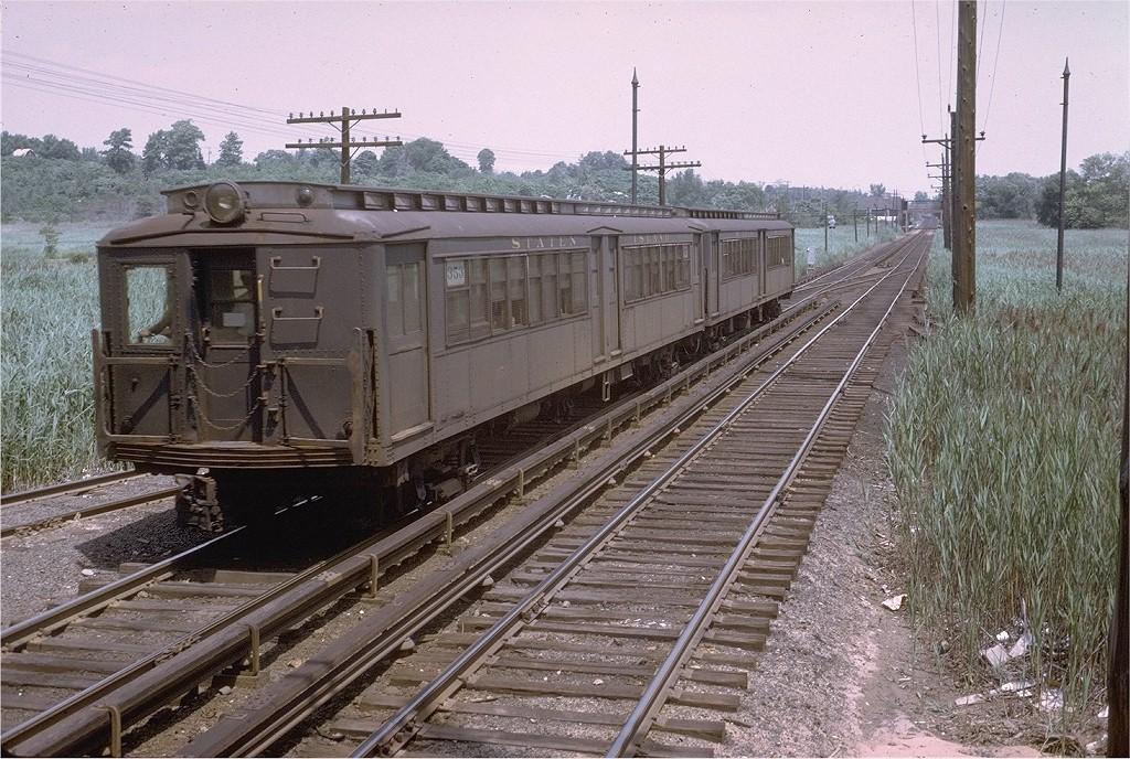 (267k, 1024x688)<br><b>Country:</b> United States<br><b>City:</b> New York<br><b>System:</b> New York City Transit<br><b>Line:</b> SIRT<br><b>Location:</b> Richmond Valley <br><b>Car:</b> SIRT ME-1 (Motor) 353 <br><b>Photo by:</b> Steve Zabel<br><b>Collection of:</b> Joe Testagrose<br><b>Date:</b> 7/2/1972<br><b>Viewed (this week/total):</b> 0 / 2503
