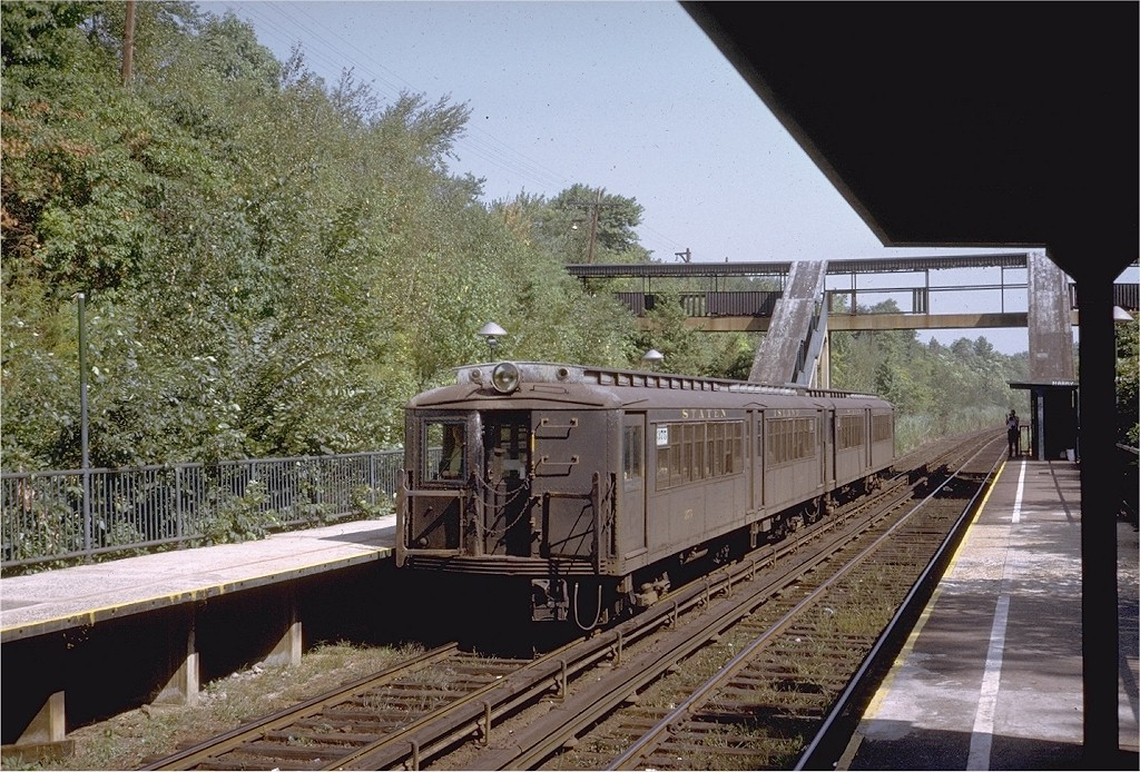 (264k, 1024x694)<br><b>Country:</b> United States<br><b>City:</b> New York<br><b>System:</b> New York City Transit<br><b>Line:</b> SIRT<br><b>Location:</b> Huguenot <br><b>Car:</b> SIRT ME-1 (Motor) 375 <br><b>Photo by:</b> Steve Zabel<br><b>Collection of:</b> Joe Testagrose<br><b>Date:</b> 9/17/1972<br><b>Viewed (this week/total):</b> 2 / 2747