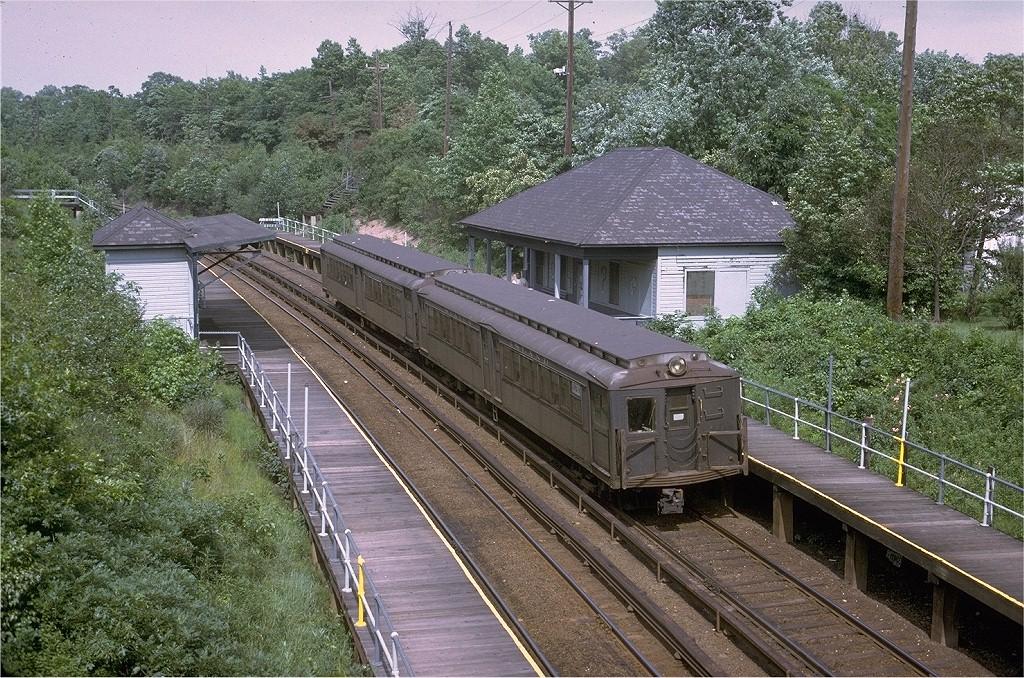 (324k, 1024x678)<br><b>Country:</b> United States<br><b>City:</b> New York<br><b>System:</b> New York City Transit<br><b>Line:</b> SIRT<br><b>Location:</b> Prince's Bay <br><b>Car:</b> SIRT ME-1 (Motor) 381 <br><b>Photo by:</b> Steve Zabel<br><b>Collection of:</b> Joe Testagrose<br><b>Date:</b> 7/2/1972<br><b>Viewed (this week/total):</b> 1 / 2174
