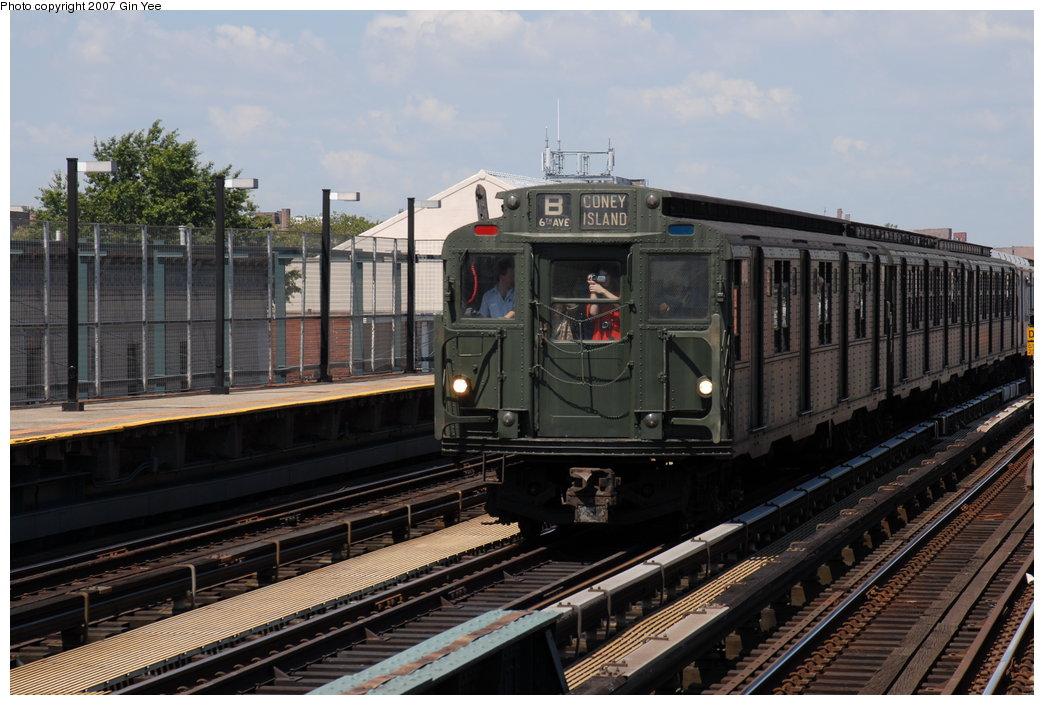 (195k, 1044x705)<br><b>Country:</b> United States<br><b>City:</b> New York<br><b>System:</b> New York City Transit<br><b>Line:</b> BMT West End Line<br><b>Location:</b> 25th Avenue <br><b>Route:</b> Fan Trip<br><b>Car:</b> R-9 (Pressed Steel, 1940)  1802 <br><b>Photo by:</b> Gin Yee<br><b>Date:</b> 8/12/2007<br><b>Viewed (this week/total):</b> 0 / 1995
