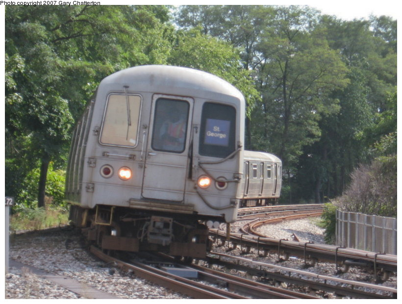 (125k, 820x620)<br><b>Country:</b> United States<br><b>City:</b> New York<br><b>System:</b> New York City Transit<br><b>Line:</b> SIRT<br><b>Location:</b> Clifton <br><b>Car:</b> R-44 SIRT (St. Louis, 1971-1973) 454 <br><b>Photo by:</b> Gary Chatterton<br><b>Date:</b> 9/17/2007<br><b>Viewed (this week/total):</b> 0 / 4130
