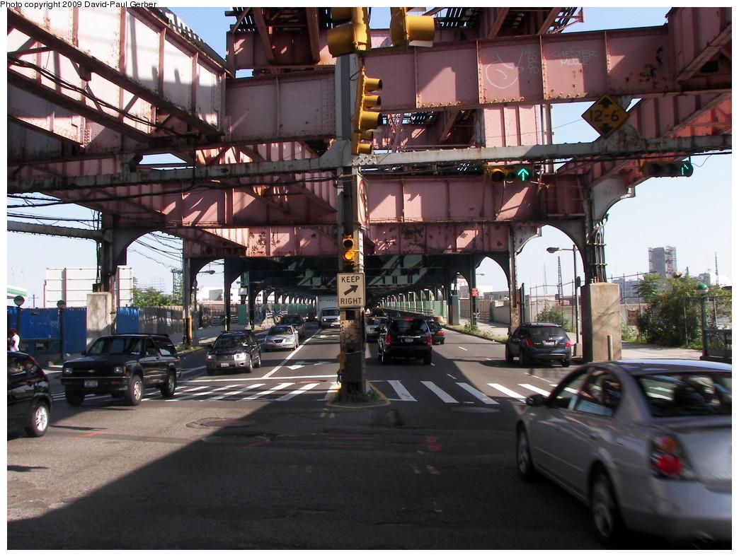 (302k, 1044x788)<br><b>Country:</b> United States<br><b>City:</b> New York<br><b>System:</b> New York City Transit<br><b>Line:</b> IRT Flushing Line<br><b>Location:</b> Queensborough Plaza <br><b>Photo by:</b> David-Paul Gerber<br><b>Date:</b> 8/1/2009<br><b>Notes:</b> Queensboro Plaza steelwork - IRT Flushing side<br><b>Viewed (this week/total):</b> 0 / 1421
