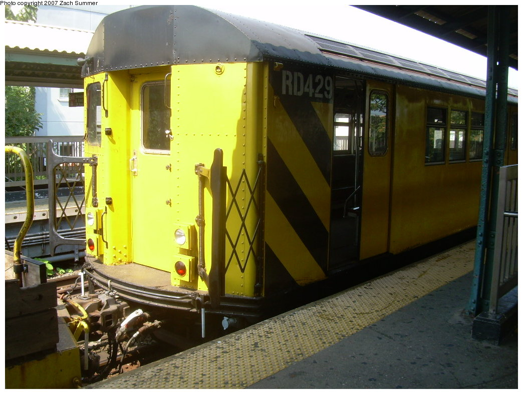 (210k, 1044x788)<br><b>Country:</b> United States<br><b>City:</b> New York<br><b>System:</b> New York City Transit<br><b>Line:</b> BMT Brighton Line<br><b>Location:</b> Sheepshead Bay <br><b>Route:</b> Work Service<br><b>Car:</b> R-161 Rider Car (ex-R-33)  RD429 (ex-9039)<br><b>Photo by:</b> Zach Summer<br><b>Date:</b> 9/8/2007<br><b>Viewed (this week/total):</b> 1 / 1529