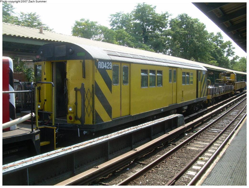 (269k, 1044x788)<br><b>Country:</b> United States<br><b>City:</b> New York<br><b>System:</b> New York City Transit<br><b>Line:</b> BMT Brighton Line<br><b>Location:</b> Sheepshead Bay <br><b>Route:</b> Work Service<br><b>Car:</b> R-161 Rider Car (ex-R-33)  RD429 (ex-9039)<br><b>Photo by:</b> Zach Summer<br><b>Date:</b> 9/8/2007<br><b>Viewed (this week/total):</b> 0 / 1570