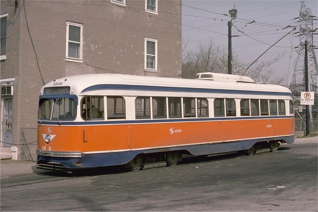 (207k, 1024x683)<br><b>Country:</b> United States<br><b>City:</b> Philadelphia, PA<br><b>System:</b> SEPTA (or Predecessor)<br><b>Line:</b> Rt. 60-Allegheny <br><b>Location:</b> Allegheny/35th <br><b>Car:</b> PTC/SEPTA Pre-war Air-car PCC (St.Louis, 1940)  2525 <br><b>Photo by:</b> Ed McKernan<br><b>Collection of:</b> Joe Testagrose<br><b>Date:</b> 4/15/1976<br><b>Viewed (this week/total):</b> 1 / 1214